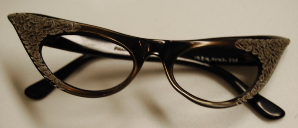 glasses frames disability history america